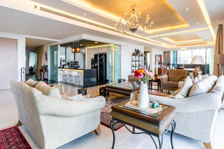 8 Ways to Add a Touch of Gold into Your Home Space